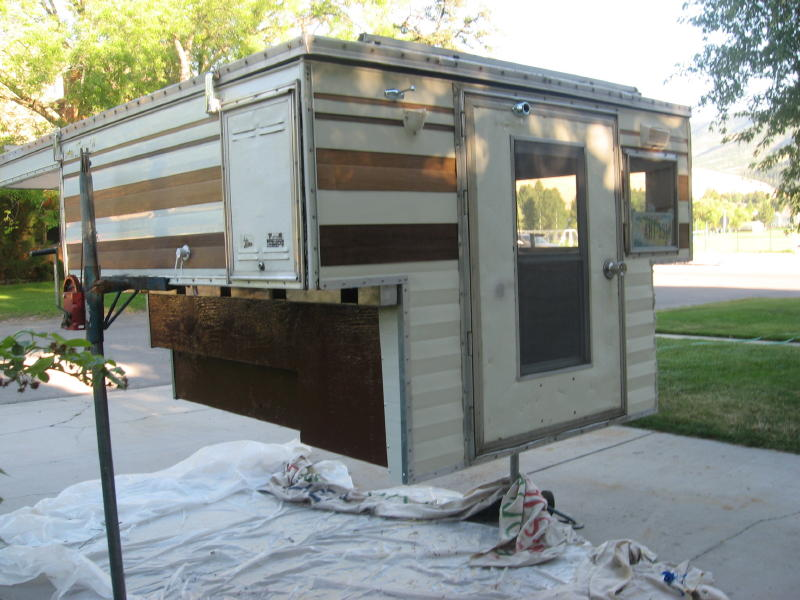 Name:  camper from rear.jpg Views: 3387 Size:  88.5 KB