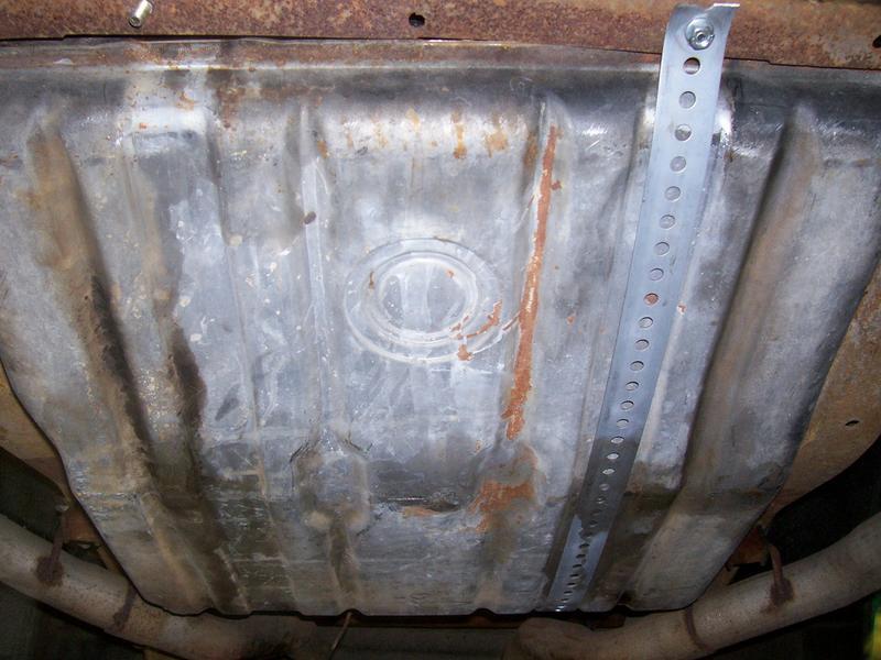 Name:  Gas tank mounted.jpg Views: 605 Size:  68.4 KB