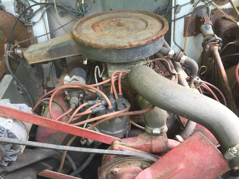 Need help with vacuum advance with 304 and 2300 Holley - IH PARTS