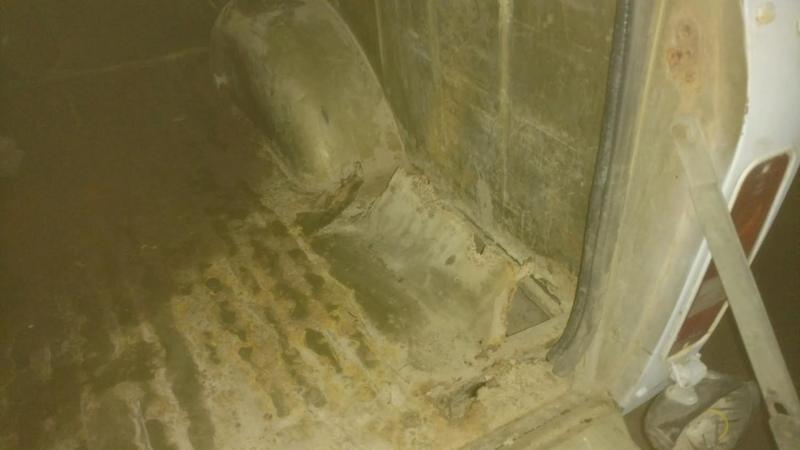 Name:  scout bed floor rust.jpg Views: 297 Size:  30.0 KB